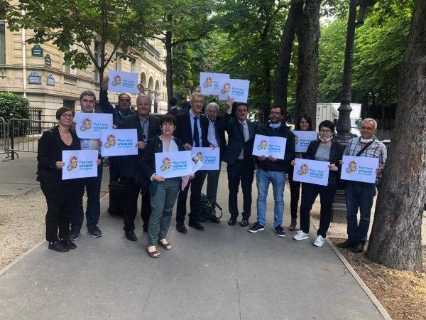 Macron%20presidenteari%20gutuna_%20hizkuntzak%20salbatu%20nahian