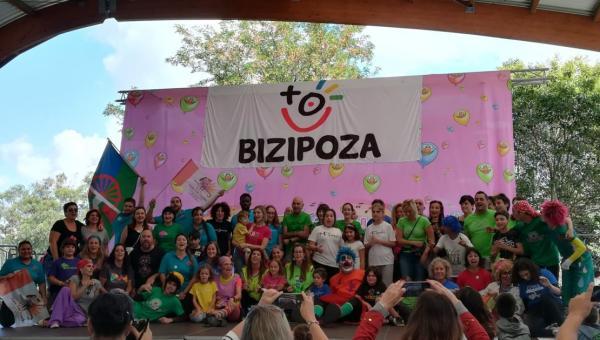 Bizipoza:%20guzientzat%20zoriona...%20a€%20denak%20zoriontsu!